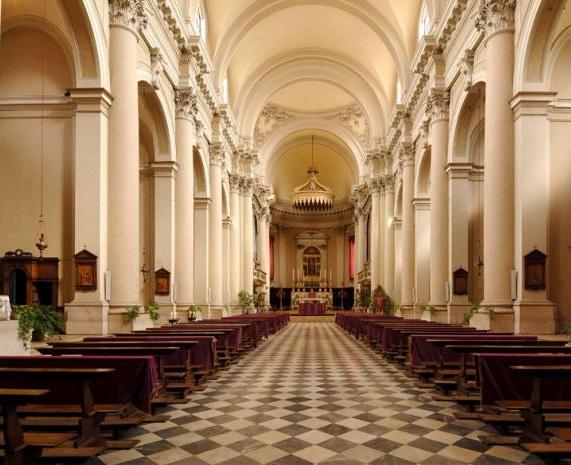 Interno Chiesa S Nazaro E Celso A Brescia Scopri Brescia