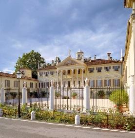Villa Mazzucchelli e i suoi Musei. Brescia.